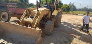 Retro escavadeira Maxion 750 4x4 - 2001
