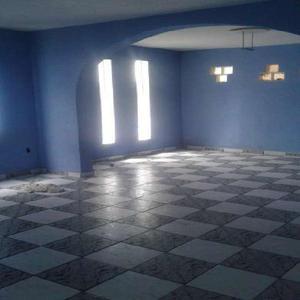 Casa com 3 Quartos para Alugar, 150 m² por R$ 1.300/Mês