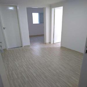 Apartamento com 2 Quartos à Venda, 54 m² por R$ 200.000