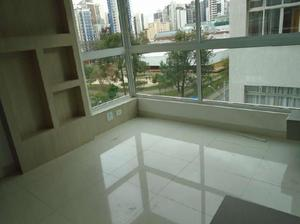 Apartamento com 2 Quartos à Venda, 60 m² por R$ 380.000