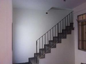 Casa de Condomínio com 5 Quartos à Venda, 230 m² por R$