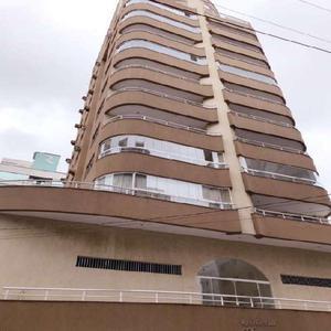 Apartamento com 3 Quartos à Venda, 115 m² por R$ 650.000