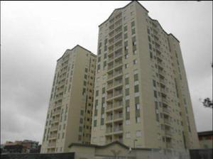 Apartamento com 3 Quartos à Venda, 61 m² por R$ 225.000