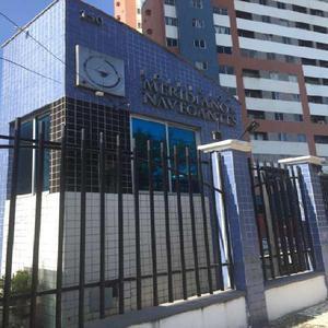 Apartamento com 3 Quartos à Venda, 65 m² por R$ 245.000