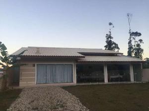 Casa com 3 Quartos à Venda, 110 m² por R$ 450.000