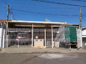Casa com 3 Quartos para Alugar, 120 m² por R$ 1.500/Mês