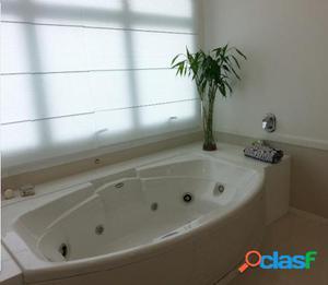 Casa clean e moderna à venda no Residencial Alpha 10