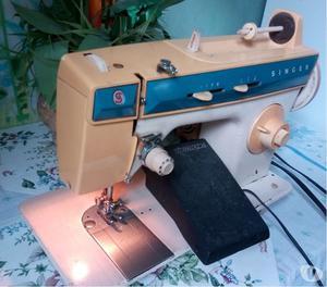 Máquina De Costura Singer 288 - Usada