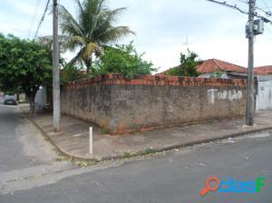 Casa de esquina no Jussara - Casa a Venda no bairro Jussara