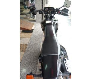 XT 600 preta 2004 único dono plásticos originais R$11.000