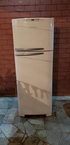 Geladeira Electrolux, 443 litros