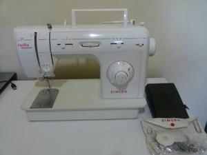 Máquina de costura Singer Facilita Premium super nova