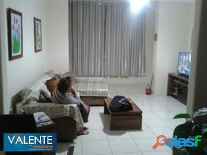 Apartamento com 2 dormitórios no Centro em São Vicente.