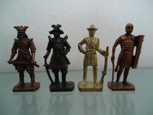 Lote De 4 Estátuas De Metal Do Kinder Ovo