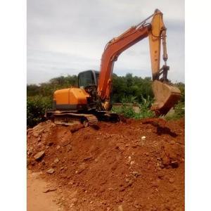 Locação De Mini Escavadeira De 8ton, E Retroescavadeira