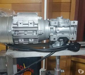Maquina motorizada para fabricar produtos de limpeza