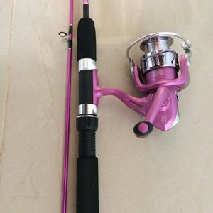 Conjunto de pesca Rosa Vara+Molinete Lindíssimo!!!