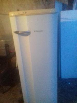 Compramos geladeiras e freezers com defeito