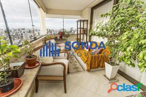 Apartamento 3 dormitórios, 2 suítes, 2 vagas. Petrópolis.