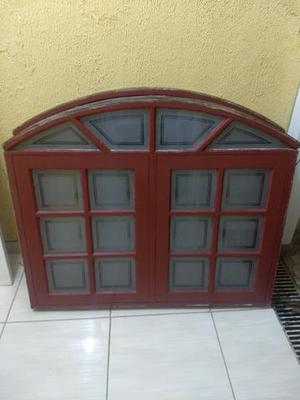 2 Vitro em madeira maciça e 1 porta p deficientes