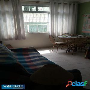 Apartamento mobiliado com 2 dormitórios em São Vicente.