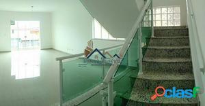 Casa nova em condomínio em Cotia - km 32 da Raposo