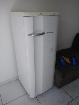 Geladeira Electrolux 300 litros Degelo