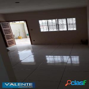 Sobreposta com 2 dormitórios em São Vicente.