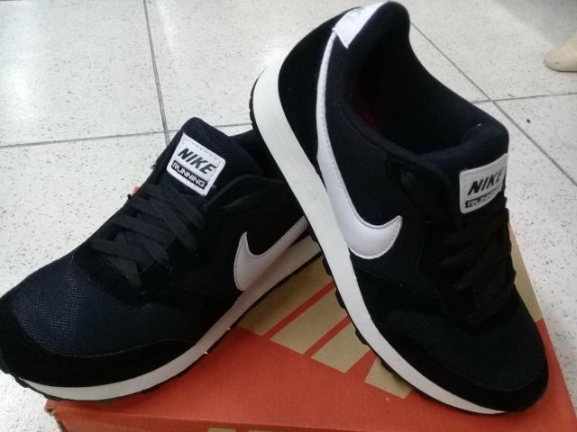 Tênis Nike Preto (38 ao 42)