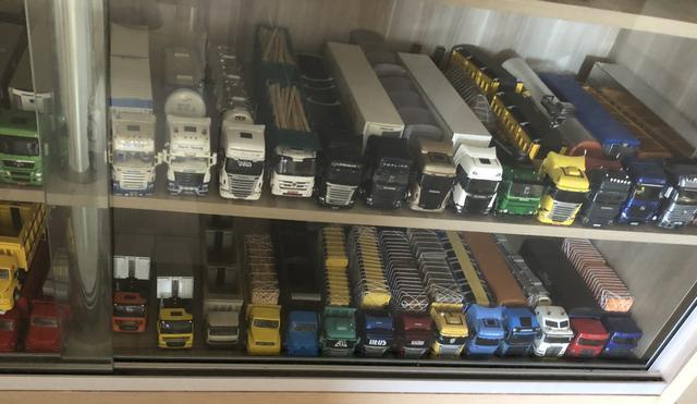 Coleção completa de miniaturas de caminhões
