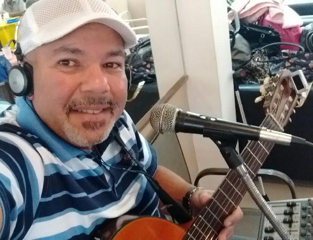 Voz e violão música ao vivo
