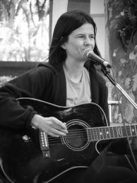 Curso de violão e voz - CANTO - Academusic