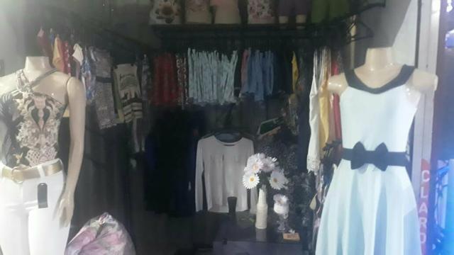Vendo 158 peças de roupas