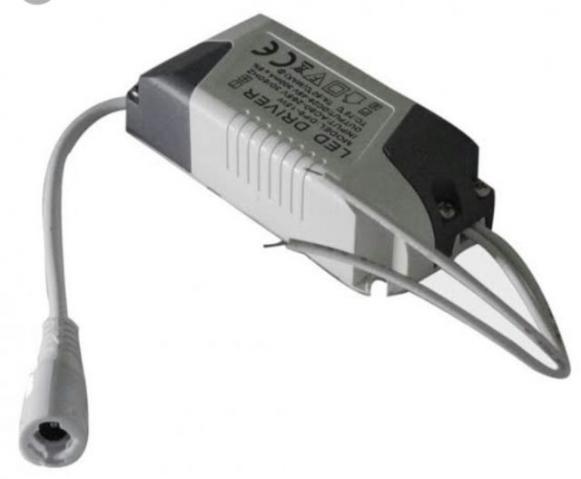 Fonte para lâmpada de embutir