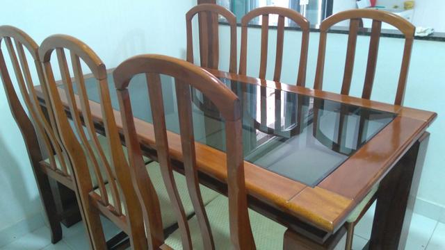 Mesa retangular com 6 cadeiras