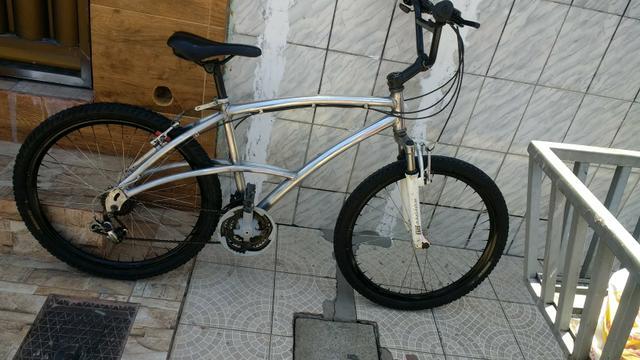 Bicicleta Caloi aro 26 alumínio