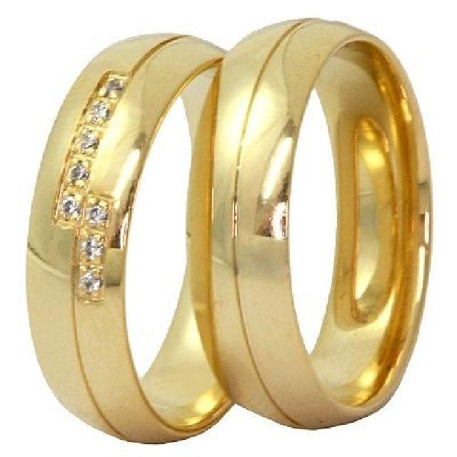 Aneis de formatura e alianças de noivado
