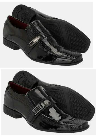 Kit com 2 pares de sapatos envernizados