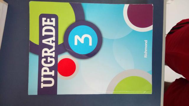 Livro de Inglês Upgrade volume 3