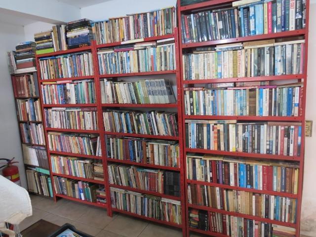 Lote com mais 2 mil livros para quem revende lojas sebos