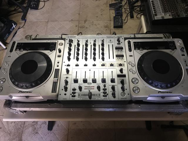 Par de Cdj 800 e mixer Djx 700