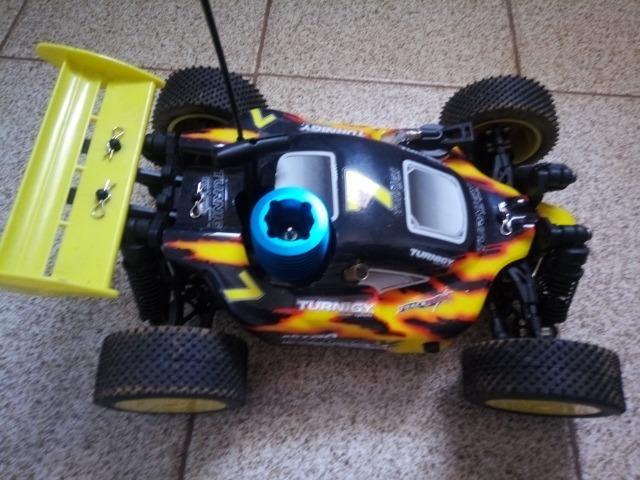 Automodelo - Buggy de controle remoto a combustão