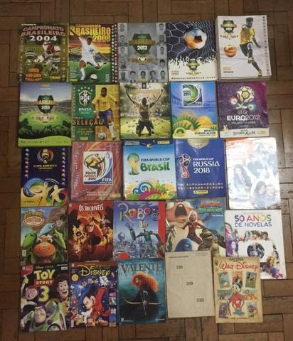Vendo mais de 60 álbuns de figurinhas