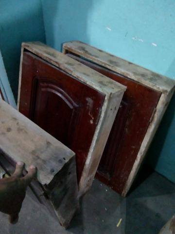 Porta de madeira com vidro