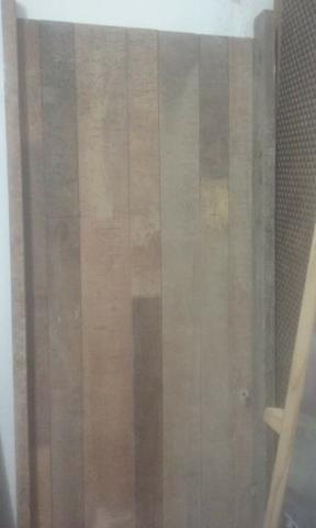 Porta de madeira rustica pequena