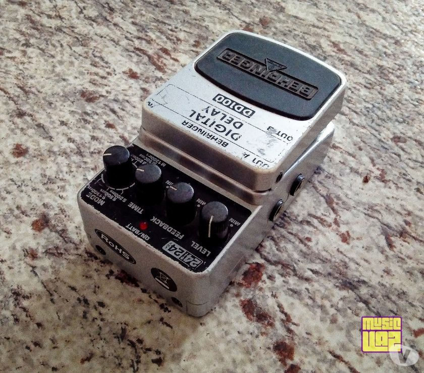Pedal de Delay Behringer DD100 Digital Delay