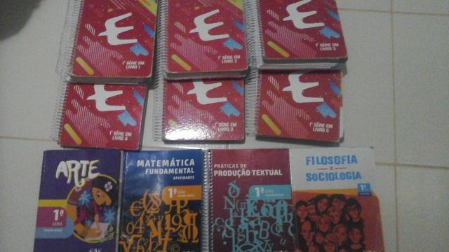 Livros escolares 1o ano EM Educallis, sistema SAS