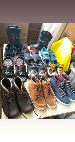 Lote de sapatos infantil masculino