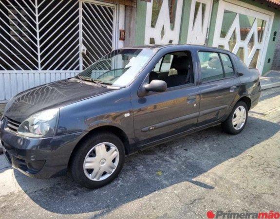 Renault Clio Sedan 1.0 - 4 portas -  Combustível Flex 4