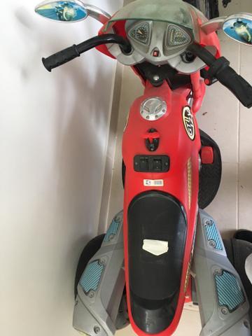 Moto Elétrica Infantil Super Moto GT Turbo Vermelha 12V -